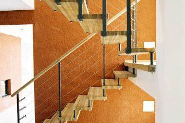 trepid seinakinnitusega